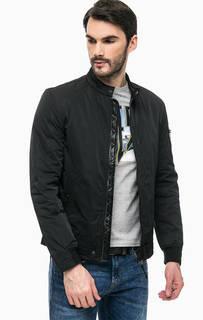Черная демисезонная куртка на молнии Guess