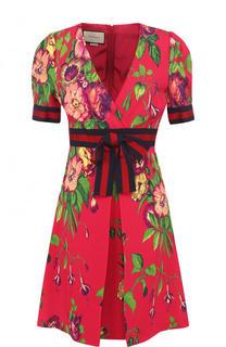 Приталенное мини-платье с завышенной талией и принтом Gucci