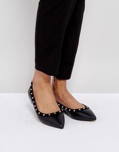 Туфли на плоской подошве с заклепками Carvela - Черный