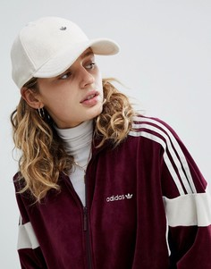 Махровая кепка с металлическом логотипом adidas Originals - Бежевый