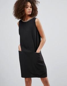 Платье с цепочкой QED London - Черный