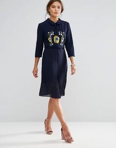 Плиссированное платье с цветочной вышивкой Liquorish - Темно-синий