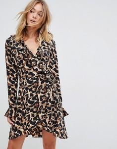 Платье с запахом и леопардовым принтом Liquorish - Черный