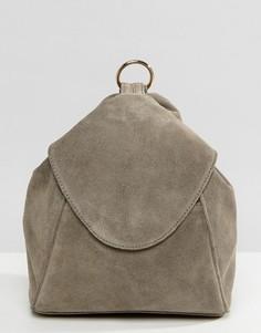 Замшевый рюкзак с кольцом ASOS - Серый