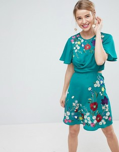 Чайное платье мини с вышивкой и вырезами ASOS - Зеленый