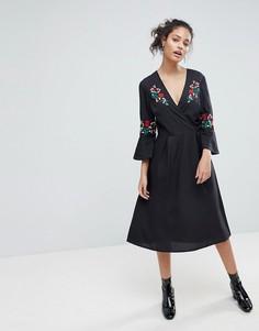 Платье миди с цветочной вышивкой Influence - Черный