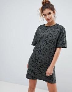 Платье-футболка с леопардовым принтом ASOS Ultimate - Мульти
