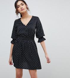 Чайное платье в горошек с V-образным вырезом и сборками на рукавах Influence Tall - Черный
