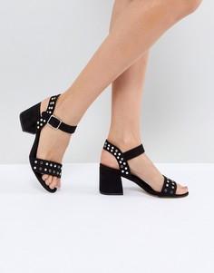 Босоножки на блочном каблуке с люверсами New Look - Черный