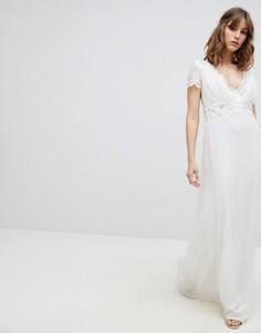 Платье макси с глубоким декольте и отделкой на талии Amelia Rose - Белый