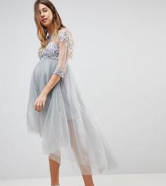 Приталенное платье миди с высоким воротом и кружевными рукавами Chi Chi London Maternity - Серый