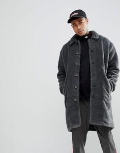 Темно-серое пальто из искусственного меха ASOS - Серый