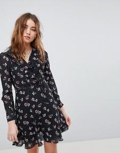 Чайное платье с запахом и оборками Glamorous - Черный