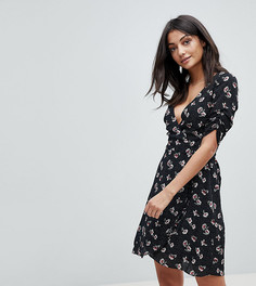 Платье с запахом и цветочным принтом Glamorous Tall - Черный