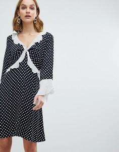 Свободное платье в горошек с оборками River Island - Черный