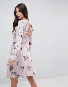Платье с цветочным принтом и оборками Vila - Розовый