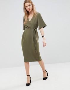 Платье миди с запахом на лифе и завязкой на поясе ASOS - Зеленый