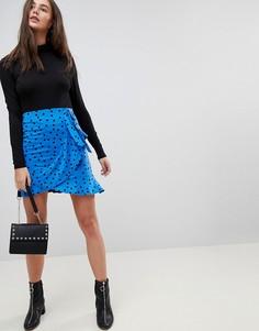Мини-юбка в горошек с запахом ASOS - Синий