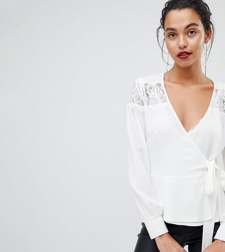 Блузка с запахом, кружевными вставками и оборкой Outrageous Fortune - Кремовый