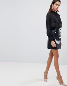 Мини-юбка из полиуретана в стиле милитари Lipsy - Черный