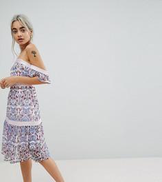 Платье с открытыми плечами и принтом пейсли Vero Moda Petite - Мульти