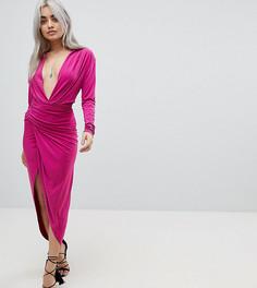 Платье макси с глубоким вырезом и запахом John Zack Petite - Розовый