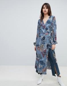 Платье миди с цветочным принтом и запахом Gestuz - Синий