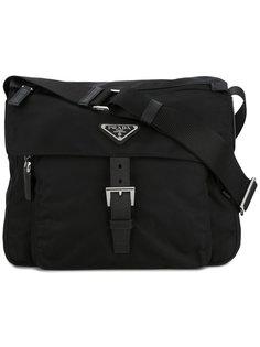 сумка через плечо с бляшкой-логотипом Prada