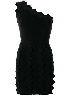 платье с открытыми плечами и оборкой  David Koma