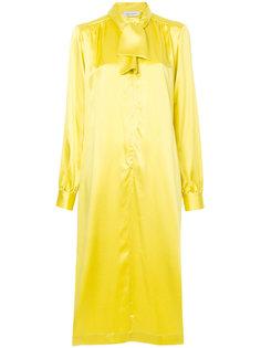 платье-рубашка с завязкой на вороте  Saks Potts