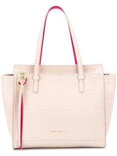 e026d3c8b2cb Купить женские средние сумки с логотипом в интернет-магазине ...