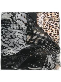 платок с анималистическим принтом Roberto Cavalli