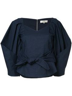 блузка с объемными рукавами и вырезом сердечком  Sea