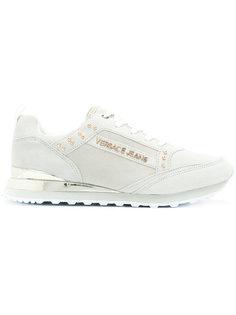 кроссовки на шнуровке с заклепками Versace Jeans