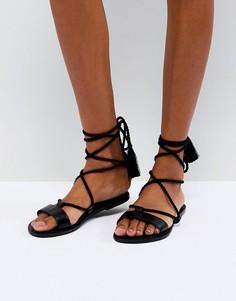 Кожаные сандалии с завязками ASOS FIRE FIRE - Черный