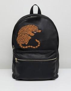 Черный рюкзак из искусственной кожи с вышивкой тигра ASOS - Черный