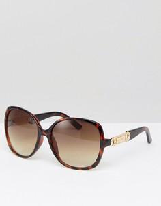 Солнцезащитные очки в квадратной оправе Carvela - Коричневый