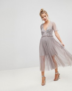 Сетчатое платье миди с глубоким вырезом и отделкой бисером ASOS - Серый