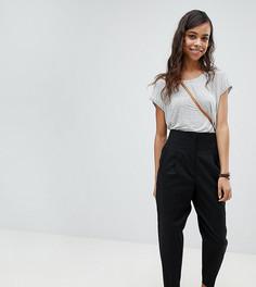 Широкие льняные брюки со складками и завышенной талией ASOS PETITE Tailored - Черный