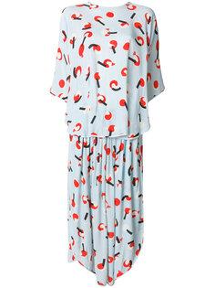 узорчатое платье с напуском Email Henrik Vibskov