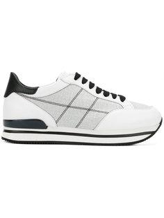 кроссовки с вышивкой Hogan