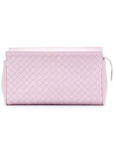 клатч с плетеным дизайном Bottega Veneta