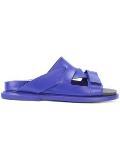 сандалии с асимметричными ремешками  Camper