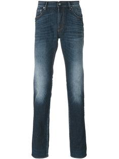 джинсы с выцветшим эффектом Stone Island