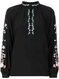 блузка с цветочной вышивкой Vilshenko