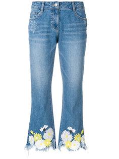джинсы с цветочным принтом и необработанным краем  SJYP