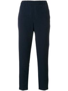 строгие брюки с эластичным поясом  Closed