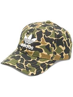 камуфляжная кепка с логотипом Adidas