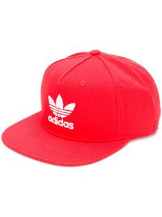 кепка с логотипом Adidas