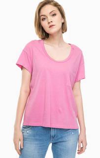 Розовая футболка с потертостями и карманом Replay